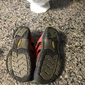 Youth Keen Size 2